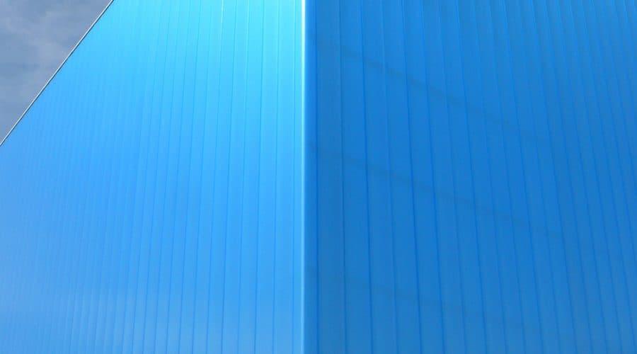 Gent Christeyns gevelbekleding passarel gekleurde panelen