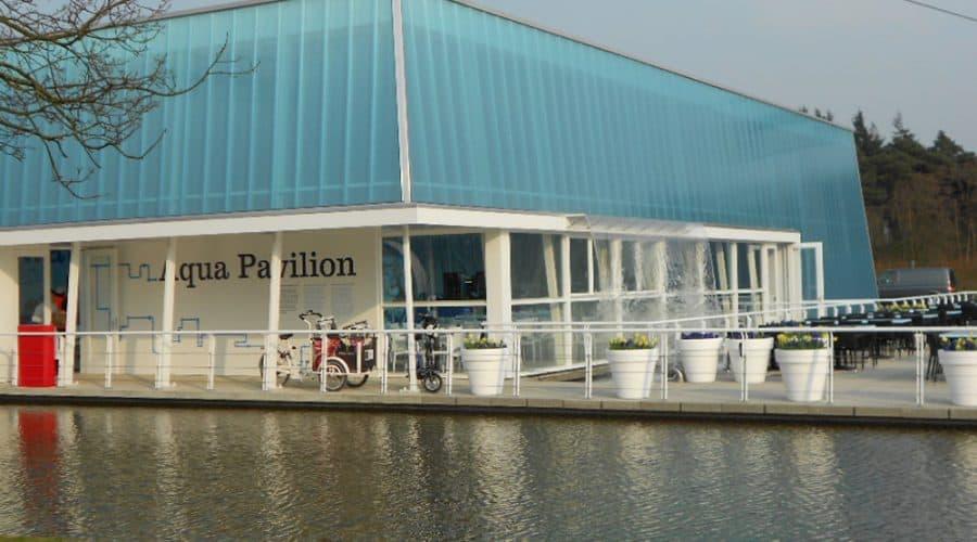 Venlo Aquapavilioen gevelbekleding daklicht kleur en effecten